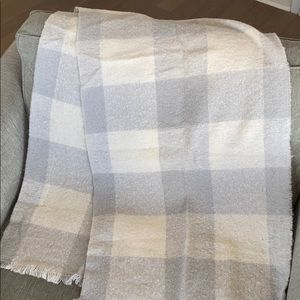 Gray and White Check Cozy Blanket Scarf